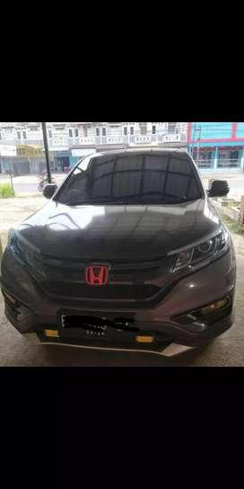 Mobil honda crv prestige 2015 sunroof