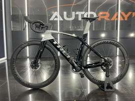 Dijual Sepeda Roadbike Trek Madone SLR 7 Etap 2020
