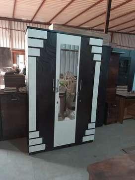New brand 3door wardrobe at lowest price