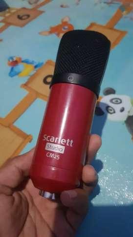 Mic Condenser Scarlett Studio CM25 C03 Audio AKG