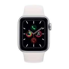 Brand New Silver Apple Watch 40mm ⌚️ Series 5 GPS