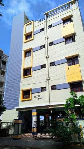 Semi furnished 2BHK flat for family-Nallagandla Huda-Near Rantadeep