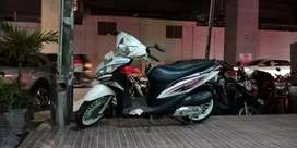 Honda spacy pgmfi putih