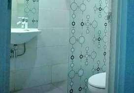 Stiker sanblas&kaca film u/kamar mandi untuk pemasangan dijamin aman