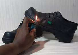 Sepatu Safety Low Boots Kulit Lokal Berkualitas Dengan Besi Pelindung