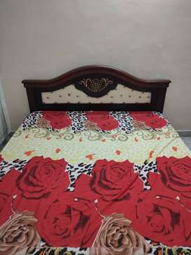 King 6×7 size cott with matress 7months old