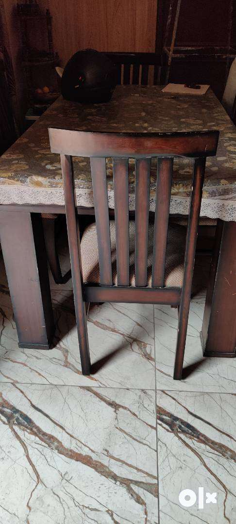 Dining Table with 6 chairs and sofa set, table 0