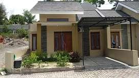 Rumah cantik dekat UMY cluster pinggir aspal dp 15jt bisa kpr