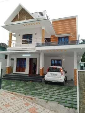 5.6 cent 2000 sqft 4 bhk new build house at kakkanad near thevakkal