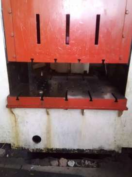 Hydraulic power press at scrap rate for sale