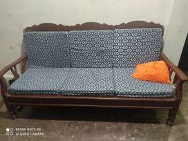 Good condition 5 seater sofa