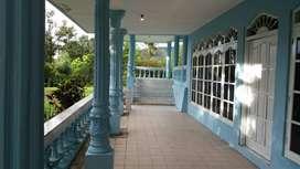 Dijual Villa Besar di Puncak Cisarua Bogor belakang Cimori atas yg per