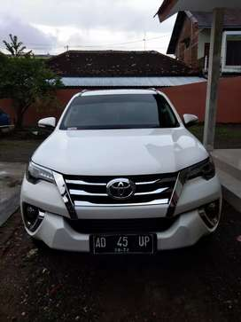 Toyota fortuner th. 2017