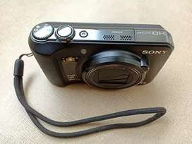 Sony Full HD Cyber Shot Camera