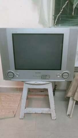 Hi, we have a TV Samsung Plano for sale good condition