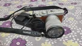 KAMERA MIRRORLESS FUJIFILM X-A2 16-50mm