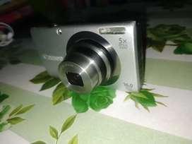 Canon PC1732 digital camera