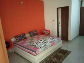 Single Room Pg with food & Ac in 10k