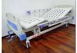 Cheap 2 cranks eldely manual hospital bed popular in  Pakistan