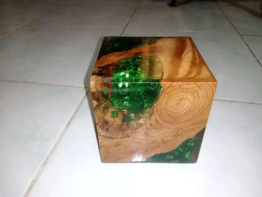 Kerajinan Pajangan Resin dan Kayu Jati dan Glass/Kaca 0
