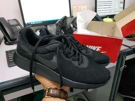 Nike tanjun fullblack ori ukr 41