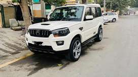 Mahindra scorpio 2015  ..mercedes AMG allow and low profile tyres