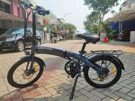 Sepeda United lipat FURION listrik