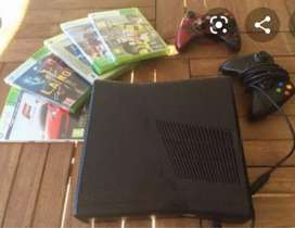 Xbox 360 Console in mint condition with all accessories