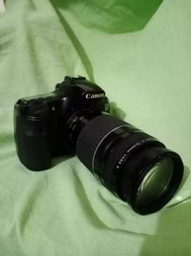 Canon 60d with 75-300 lens in cheap price 35000 only