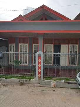 Rumah dikontrakan per 2 / 3 / 6 bulan dan 1 tahun atau dijual
