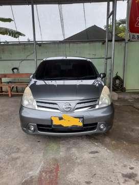 Nissan grand livina tahun 2011