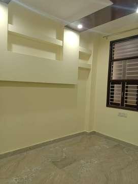 2 bhk floor 50 gaj uttam nagar west