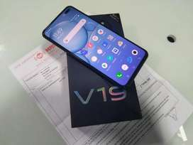Vivo V19 (8GB+256GB) IN EXCELLENT CONDITION WITH UNUSED ACCESSORIES  8