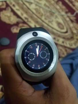 Smart watch in 10/10 condition 1 day use