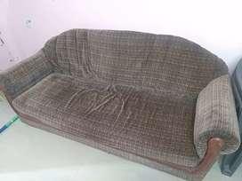 Sofa bechna h rakhne ki problem h ghr me price 3000