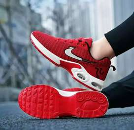 Sepatu fashion nike merah