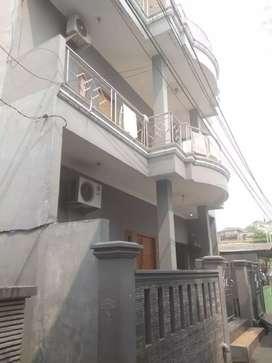 Rumah 3 lantai cocok untuk usaha kos kosan