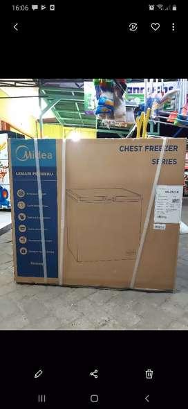KREDIT mudah & cepat - box frezer MIDEA ( by toshiba ) kapasitas 350 L