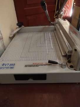 Alat Pemotong Kertas V-Tec VT-868