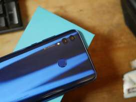 I want to sell my honor 10 lite phone with box and charger