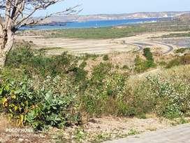 Tanah di kuta dengan pemandangan laut