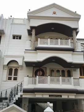 Bungalow for sale in Rajkot's best location,Can also be used as OFFICE