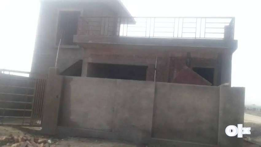 2BHK INDEPENDET HOUSE BARSANA 12.5LAKH PAY IN 60EMI WITHOUT INTEREST 0
