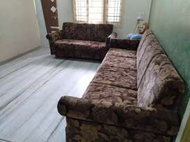 Exclusive 2 sofa well condition