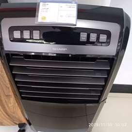 Air cooler dari sharp udah ada tersedia cool pad