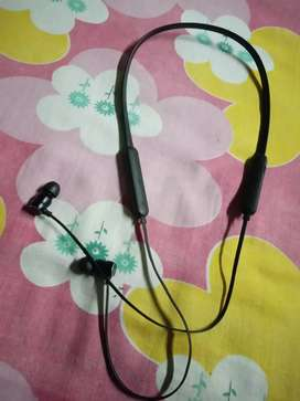 Boat rockers Bluetooth headphones...fully new condition..