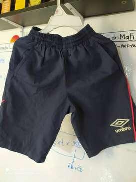Celana pendek anak UMBRO