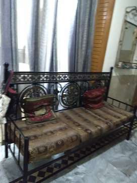 Large 5 seater iron sofa in good condition