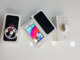 I PHONE SE 32GB GREY AND GOLD COLOUR WITH BILL WARRANTY AVAILABLE