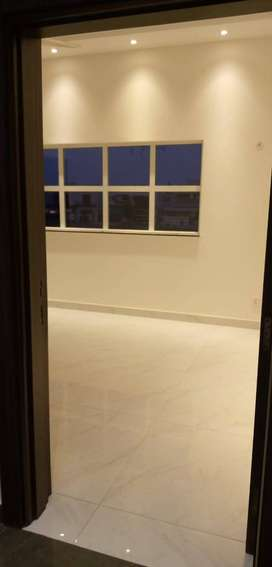 1 Kanal Beautiful Luxury Upper Portion With Separate Entrance In Dha P